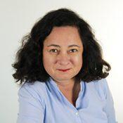 Porträtbild von Mag.a Dinah Djalinous-Glatz